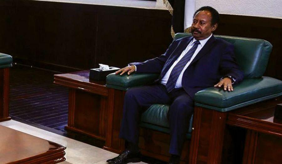 عام من ثورةالسودان وحكومة حمدوك  تملك اللسان ولا تملك السلطان!