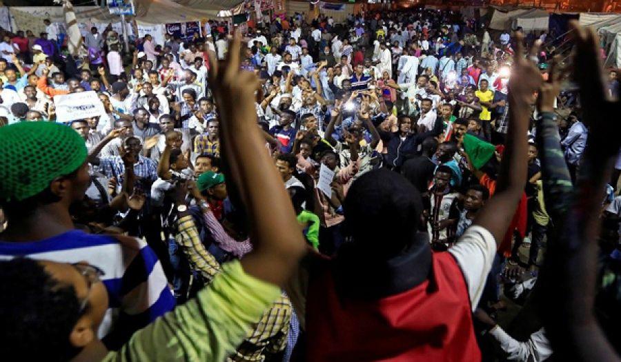 على نهج نظام البشير بلطجية قوى الحرية والتغيير  يعذبون أحد شباب حزب التحرير