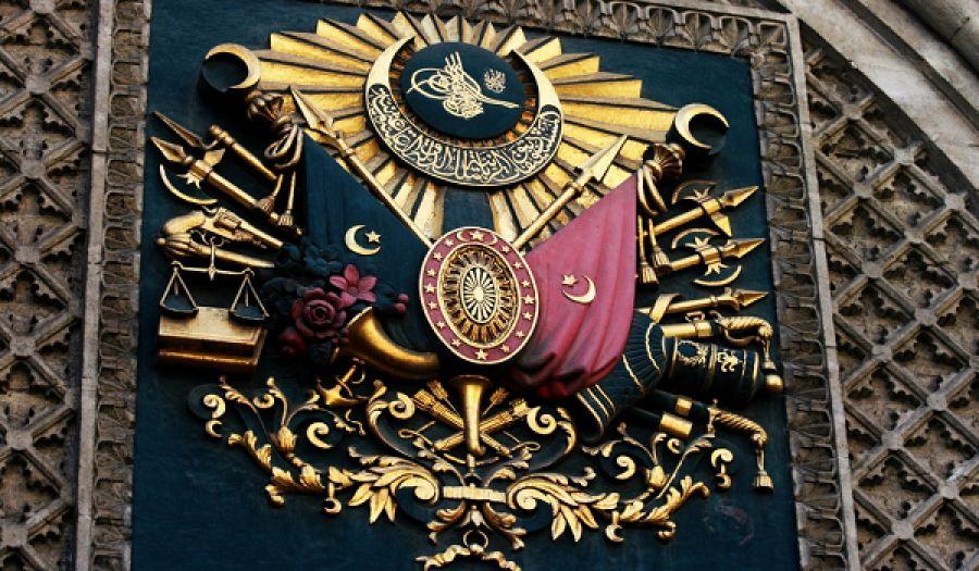 السلطان حق من حقوق الأمة تموت لأجله وتضحي