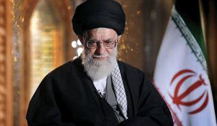 """مرشد الثورة الإيرانية: عبارات """"السنة والشيعة والعرب والعجم"""" تثير الفتنة"""