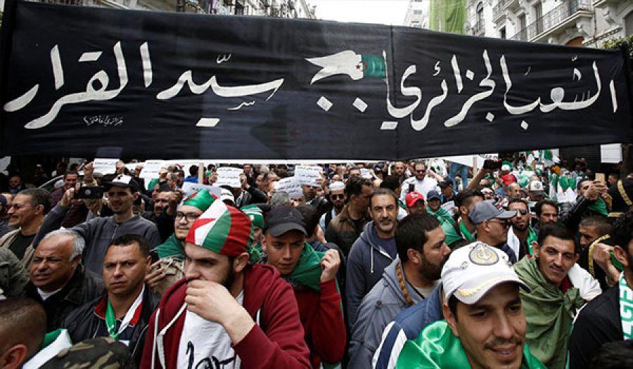 حراك الجزائر بدون قيادة - إيجابيات وسلبيات