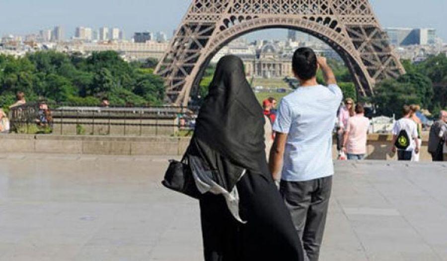 مراهقة سياسية تحت شعار حماية مكتسبات المرأة!