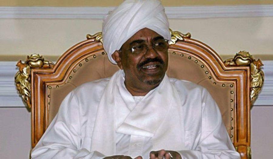 استمرار مأساة السودان وأهله نتيجة سياساته  البشير يشكل حكومة جديدة... ويغير وزيري الدفاع والخارجية