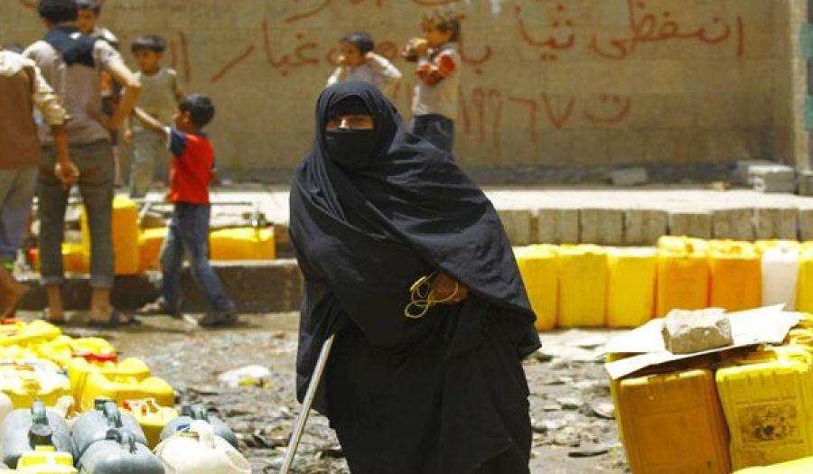الانهيار الاقتصادي في اليمن كارثة إجرامية صنعها المتصارعون العملاء
