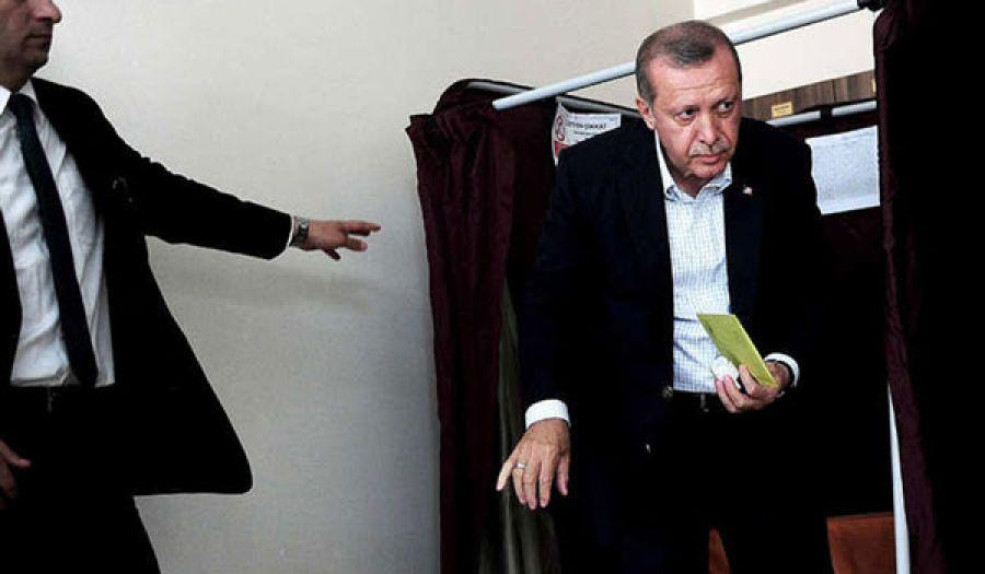في تراجع واضح لشعبيته نتيجة سياساته  حزب أردوغان يفوز بالانتخابات ويخسر الانفراد بالسلطة..