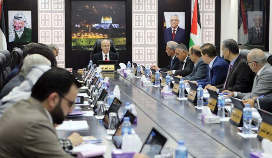 السلطة الفلسطينية تسارع في تنفيذ برامج أعداء الإسلام  لإفساد المرأة وتفكيك الأسرة بتطبيقها اتفاقية سيداو