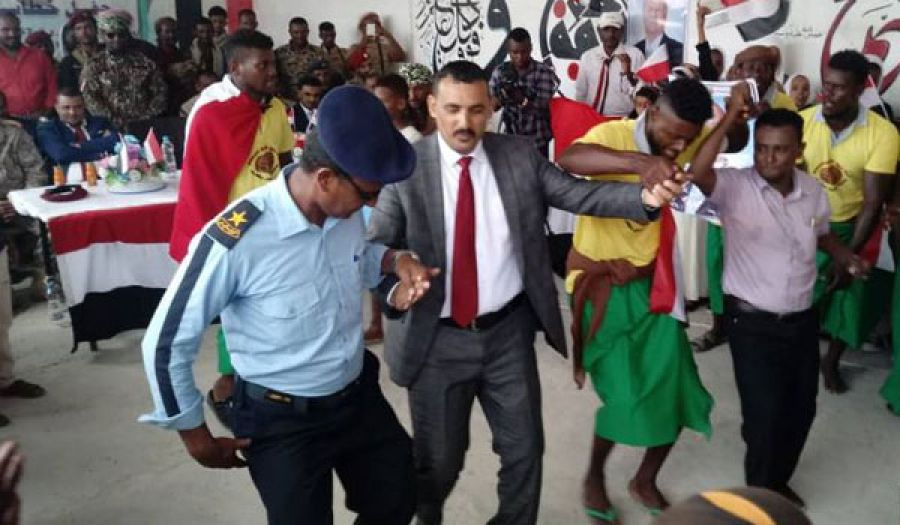المتصارعون وكلاء الكفار يرقصون على جراح أهل اليمن